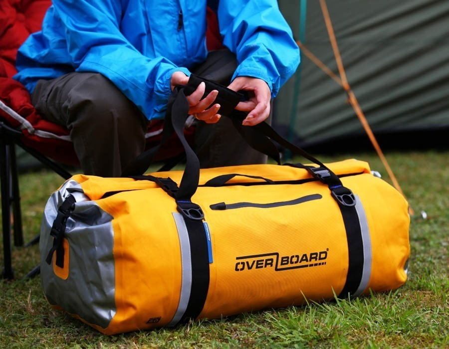 60-litre-classic-duffel-yellow-lifestyle.jpg