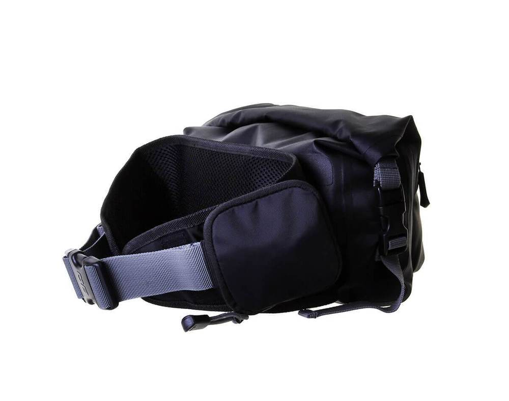 overboard-waterproof-pro-light-waist-pack-black-4-litres-02.jpg